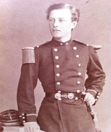 Claes Grill, Underlöjtnant vid första Ingenjörsregementet i Versailles, 1874